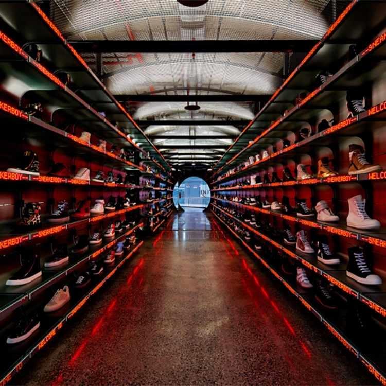 Customized novel shoe store display racks with light