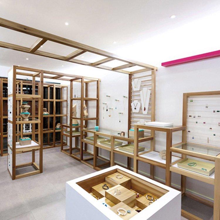 Creative attractive jewellry display stand