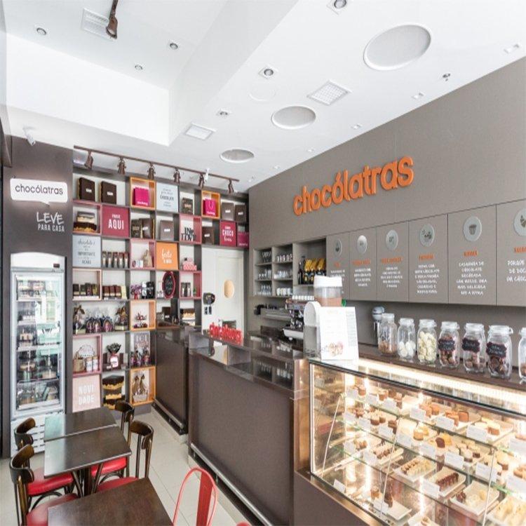 Professional modern popular chocolate shop counter design